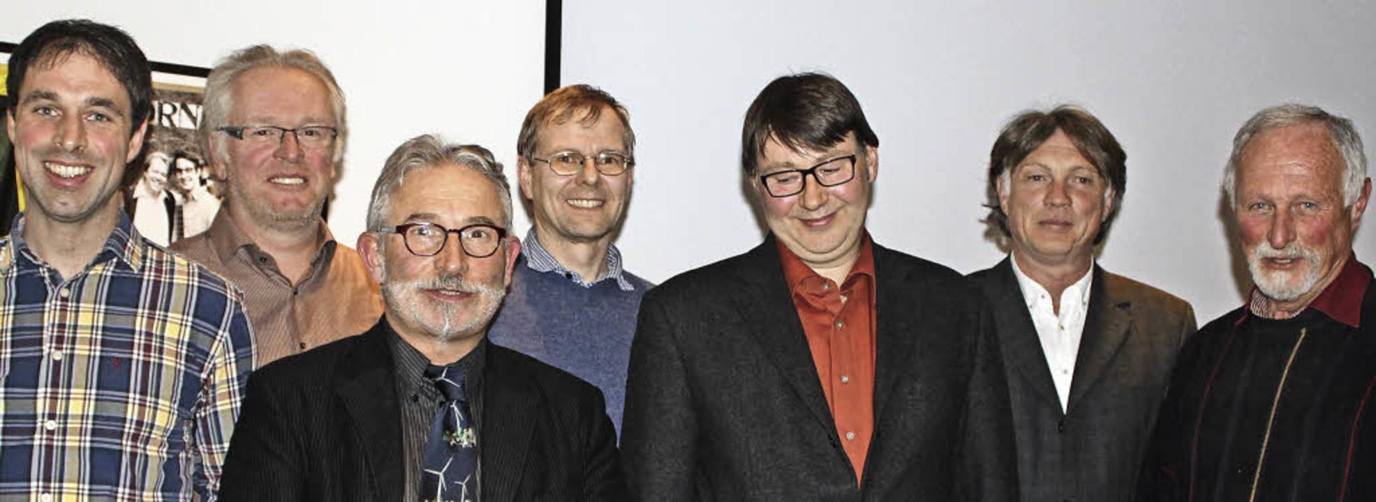 Die Vita-Bürgerenergie startet mit ein... Herbert Schuler (von rechts) gewählt.  | Foto: Christa Maier