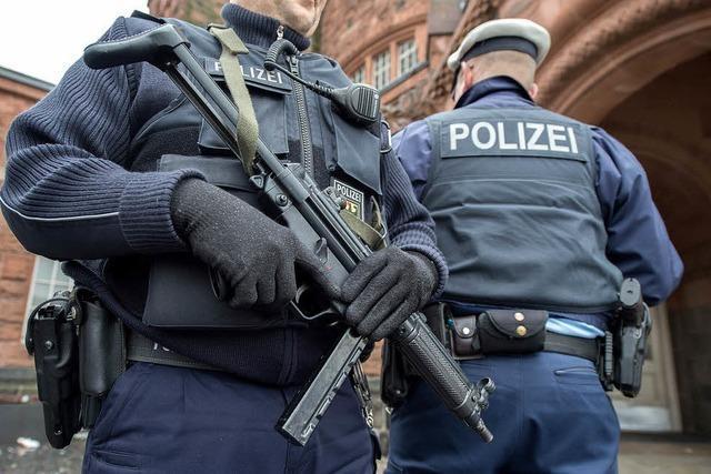 Polizei nimmt in Gießen und Düsseldorf Verdächtige fest