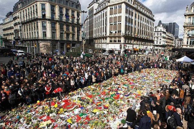 Nach den Anschlägen: Trauer, Randale und Streit