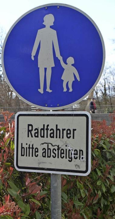 Vorrang genießen Fußgänger heute schon am Neumagen-Ufer.   | Foto: Barbara Schmidt