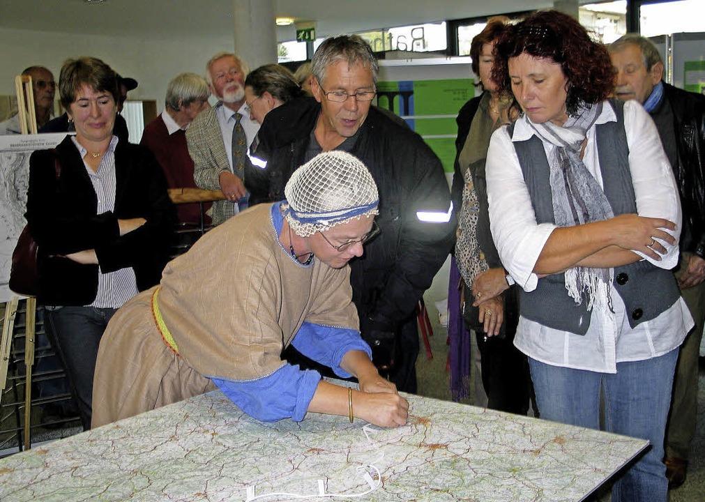 Wie man römische Entfernungsangaben üb...at sie passende Aktionen vorbereitet.   | Foto: Schütz