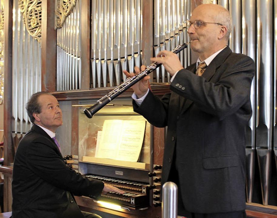 Johannes Götz (Orgel) und Andreas Hölz...ellentes musikalisches Ostergeschenk.     Foto: Erich Krieger