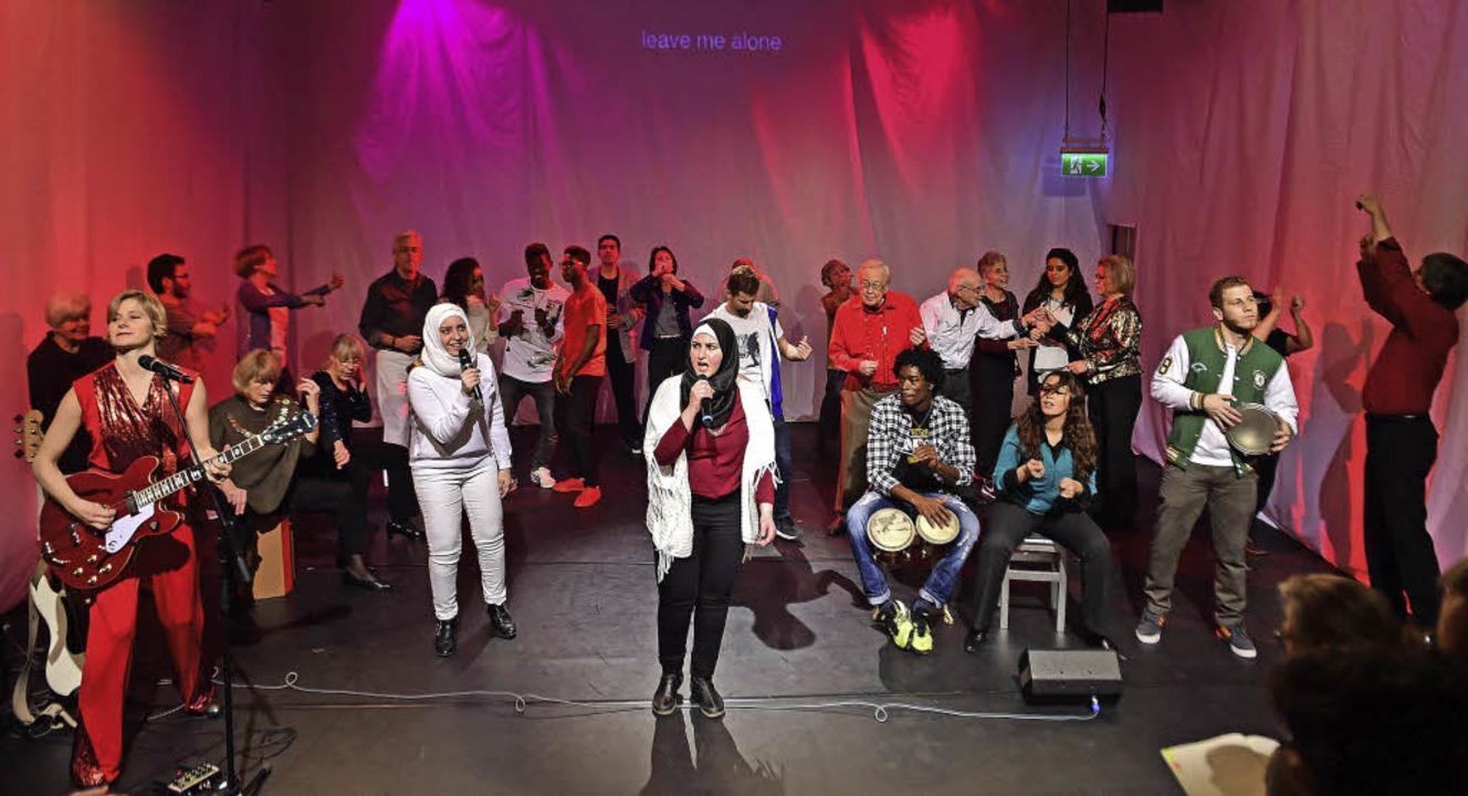 """Begeistert aufgenommen: das Stück &#82...esellschaft"""" am Theater Freiburg    Foto: Maurice Korbel/privat"""