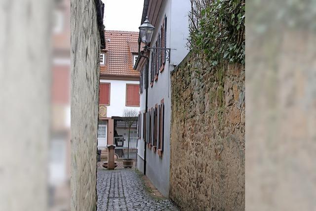 Sanierung Teil zwei der Stämmgässle-Mauer