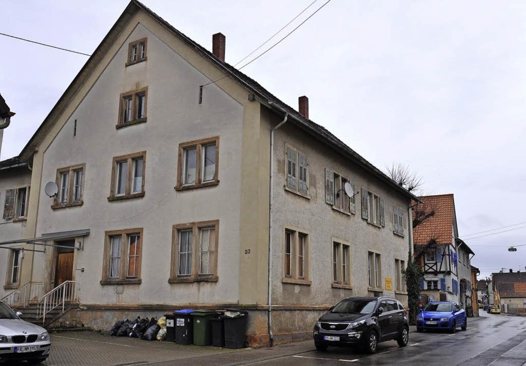 Das ehemalige Schulhaus an der Ihringe.... Das macht einigen Anwohnern Sorge.    | Foto: Kai Kricheldorff