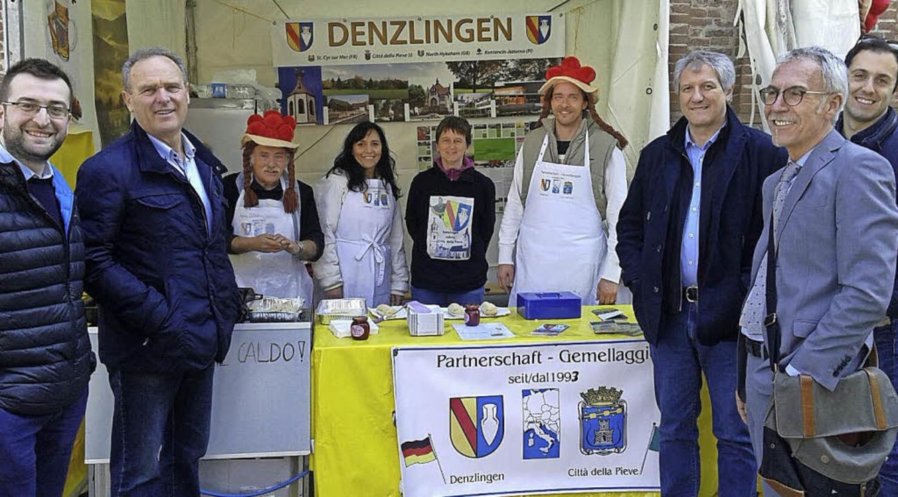 Die Denzlinger auf dem Ostermarkt in Città della Pieve.   | Foto: Privat