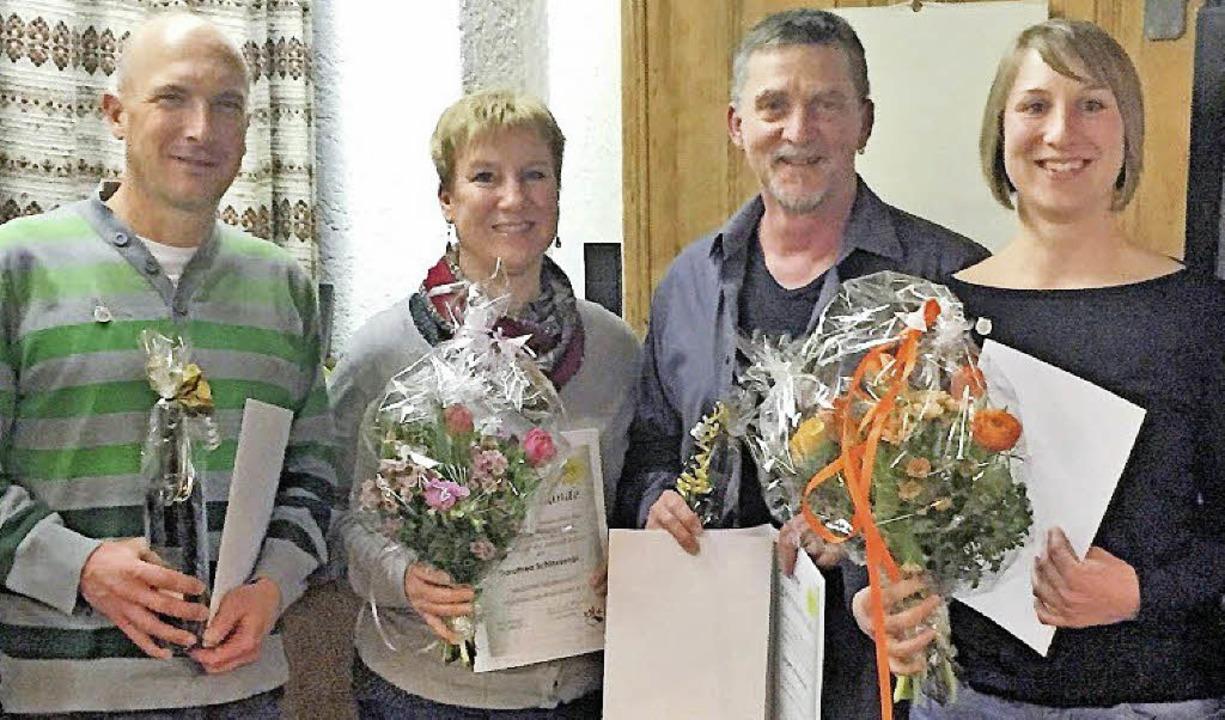 Für 25 Jahre Mitgliedschaft geehrt wur...othea, Jürgen und Pascale Schleusener.    Foto: Naturfreunde