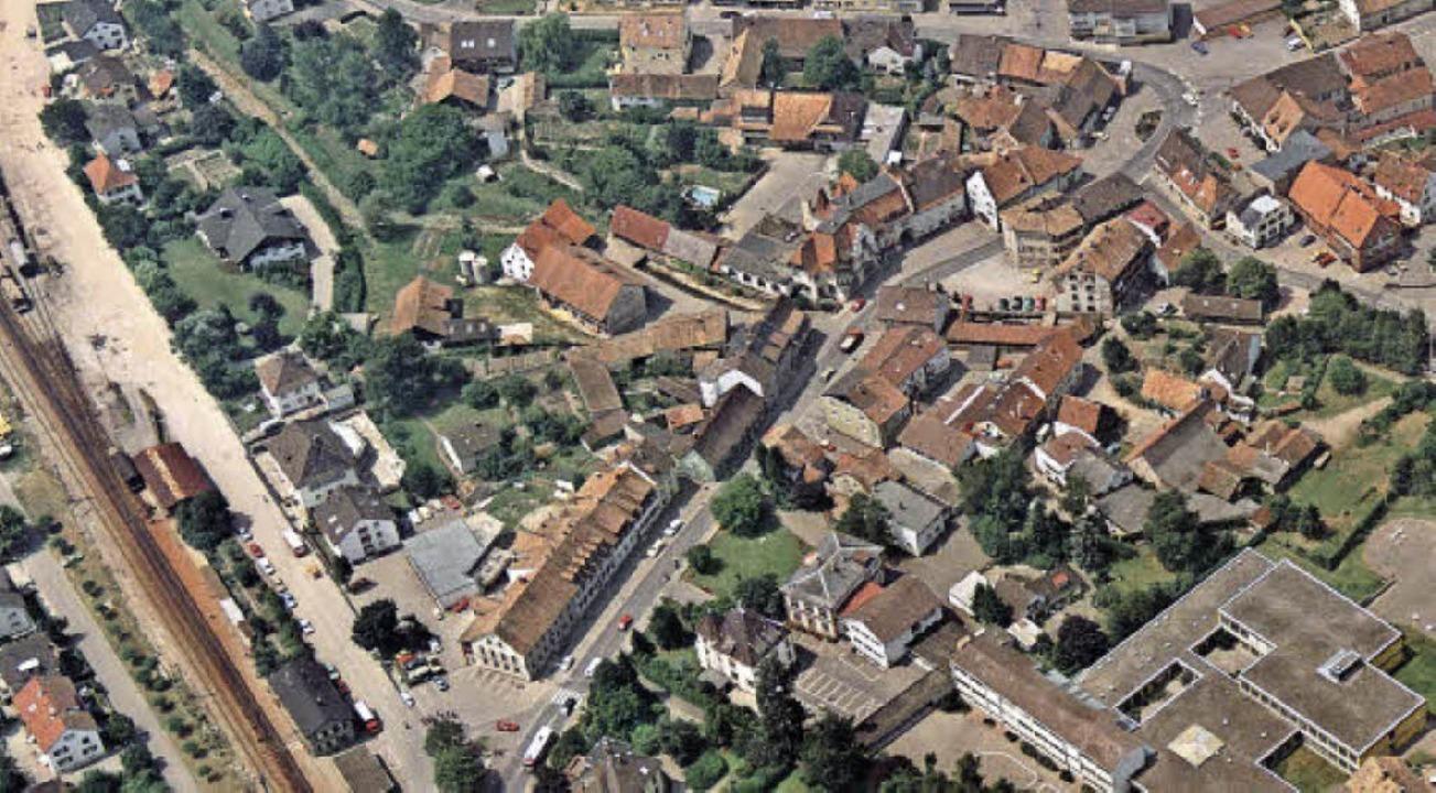 Eine Luftaufnahme des Ortskerns von St...hlehof-Areal steht noch der Eiche-Hof.    Foto: Sammlung  Schaum