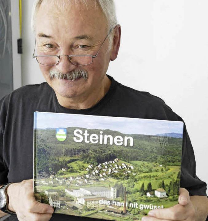 """""""Steinen. Des han i nit gwüsst&#...der neue Bildband von Gerhard Schaum.     Foto: Bergmann"""