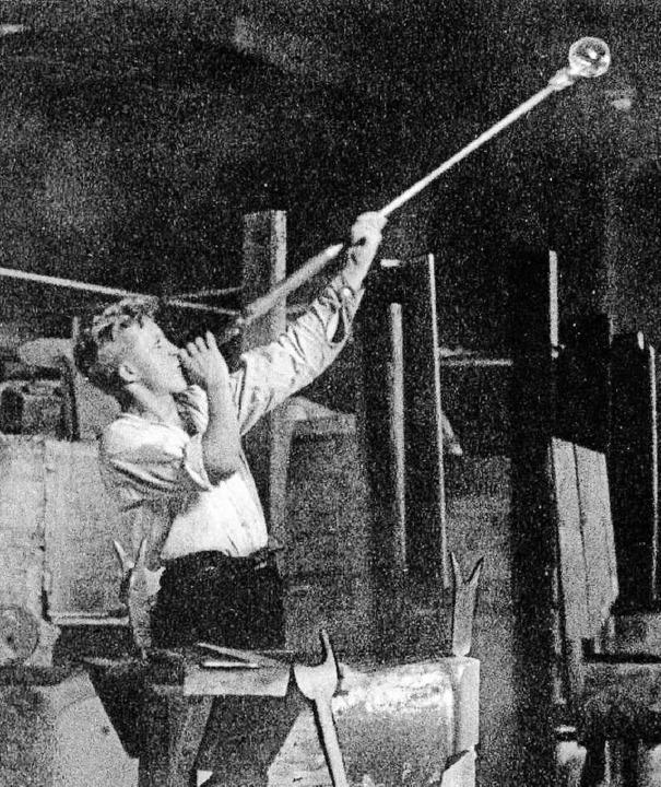Die Kunst des Glasmachens erforderte v...rstellung wurde viel Holz gebraucht.      Foto: Archivbild: Ernst Brugger