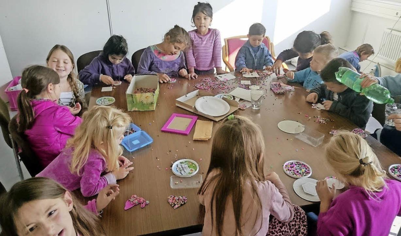 Fürs Basteln mit   Kindern der Flüchtl...ürenand  Tabea Hugenschmidt zuständig.    Foto: privat