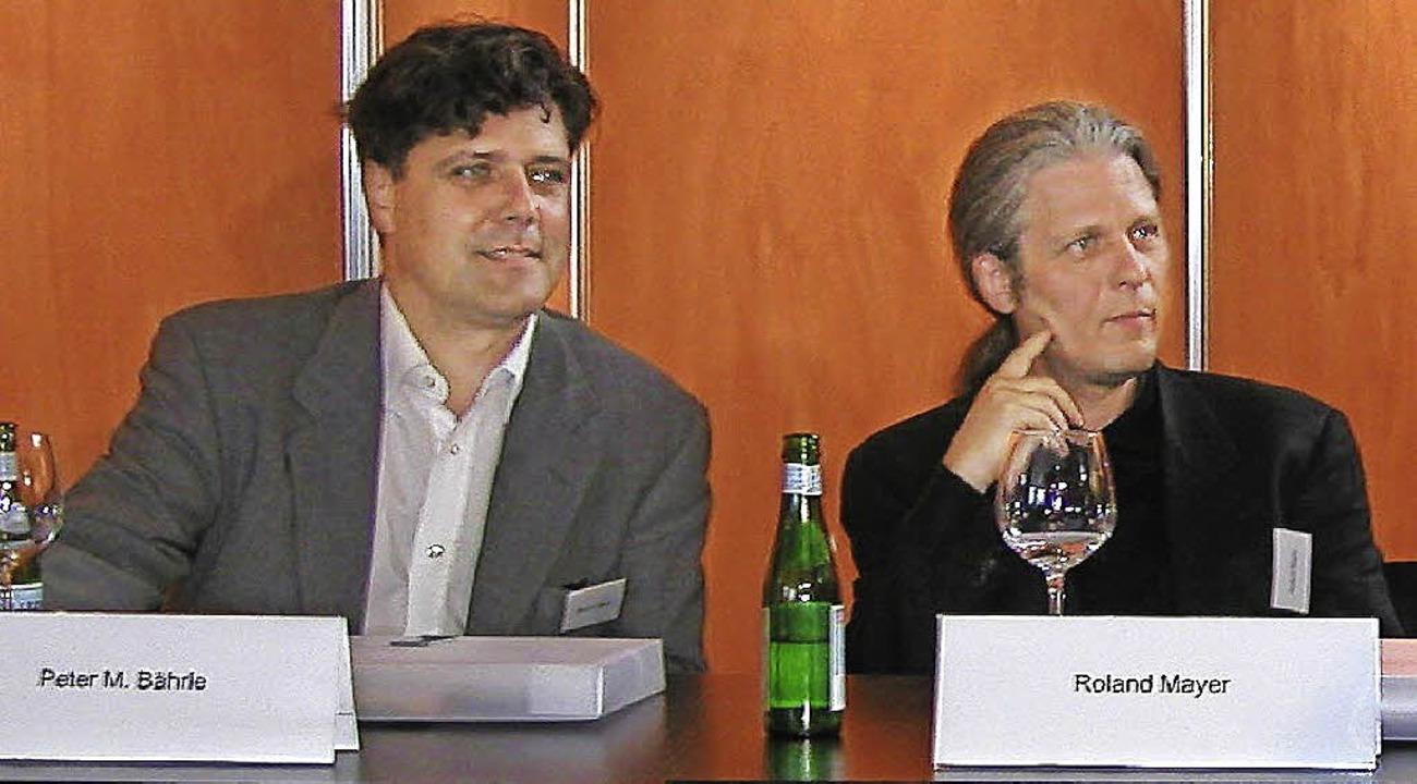 Peter Bährle (links) und Roland Mayer ...eim Tag der Architektur in Wolfsburg.   | Foto: mayer bährle