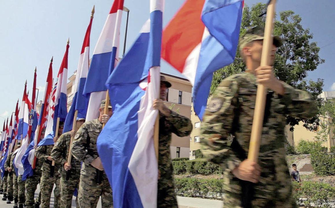 "Parade in Kroatien zu Ehren der Offensive ""Operation Sturm""    Foto: dpa"