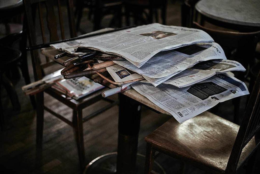 Im Kaffeehaus  | Foto: plainpicture/Christian Schoppe