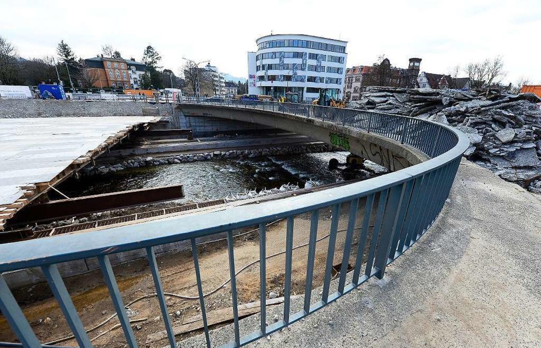 Die neue Brücke könnte der letzte Baus...ram werden, die Ende 2018 fahren muss.    Foto: Ingo Schneider
