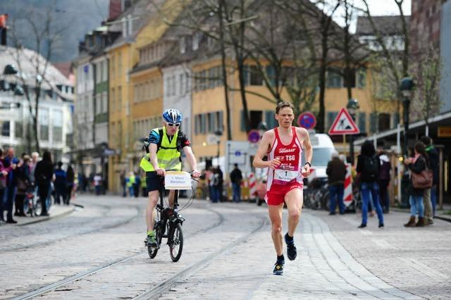 13. Freiburg-Marathon: Benedikt Hoffmann stellt Streckenrekord ein