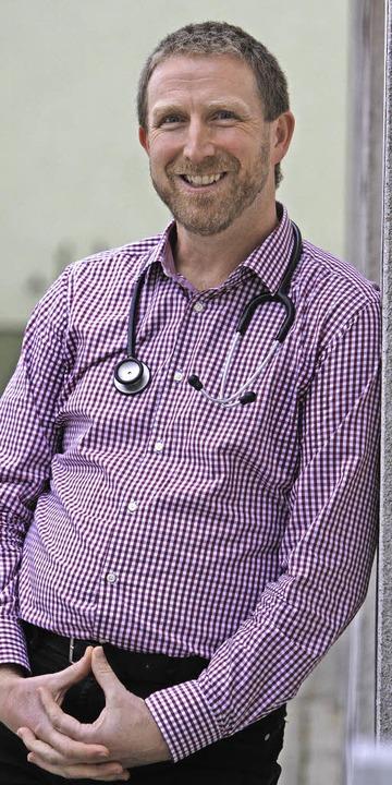 Der Malterdinger Emanuel Jauch ist Arz...ist auf der Bühne. Sein Thema: Medizin  | Foto: Patrik Müller