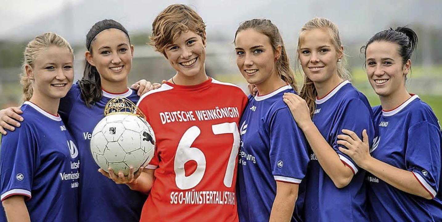 Josefine Schlumberger  mit Teamkameradinnen  der SG Obermünstertal-Staufen   | Foto: BZ