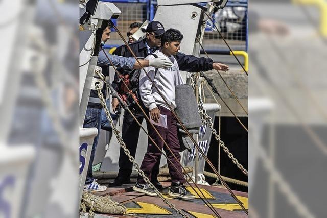 Griechenland schiebt erste Flüchtlinge in die Türkei ab
