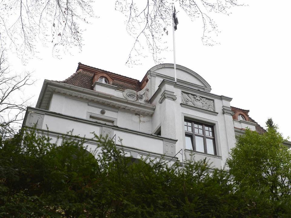 Das Verbindungshaus der  Burschenschaf...lesia auf dem Lorettoberg in Freiburg.  | Foto: Ingo Schneider
