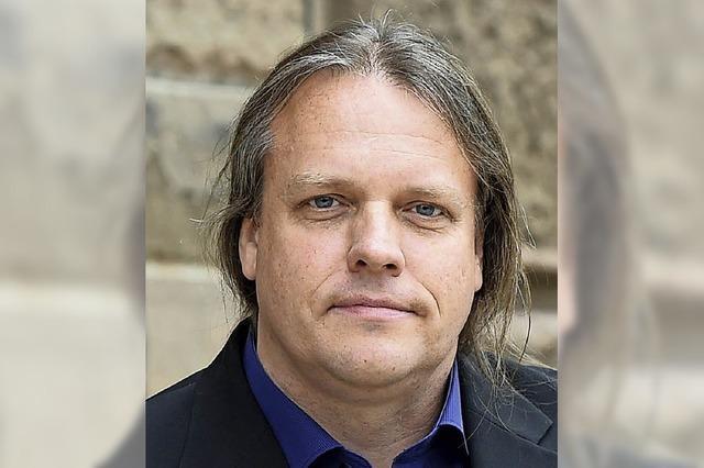 Andreas Beier informiert über die Arbeit mit jungen Flüchtlingen