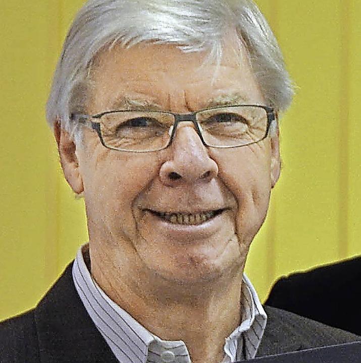 Heinrich Benner holt  Jubiläumsgemeinden an einen Tisch.    | Foto: SENF