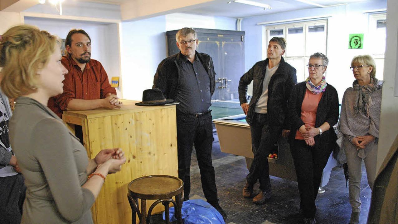 Es hat sich einiges getan: Lisa Warm u...ten die Arbeit im Jugendtreff Haagen.   | Foto: Thomas Loisl Mink