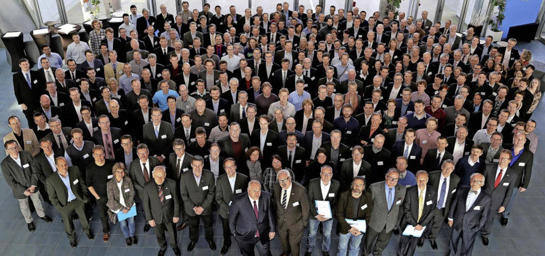 Mehr als 300 Mitarbeitende, die an ein...um  Innovatorentreffen nach Mulhouse.     Foto: ZVG