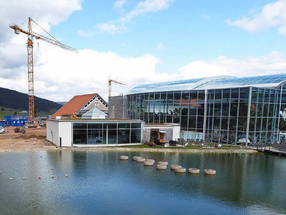 Die Baustelle ist eröffnet für das Palais Vital.  | Foto: Peter Stellmach