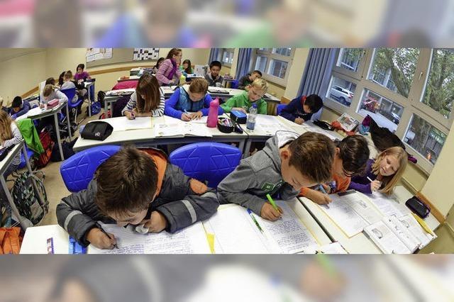 Kultusminister Andreas Stoch stellt die Bildungspläne vor