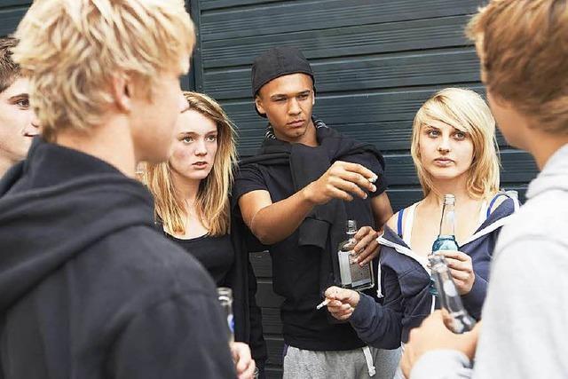Drogenkonsum bei jungen Menschen: Alkohol bleibt angesagt, Rauchen ist verpönt