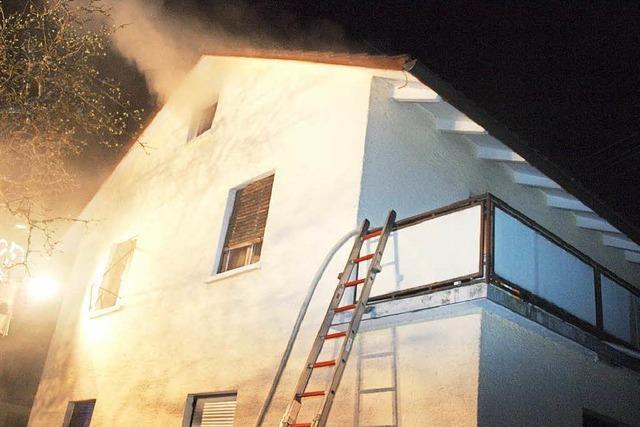 Rauch macht Haus nach Brand in Wehr unbewohnbar