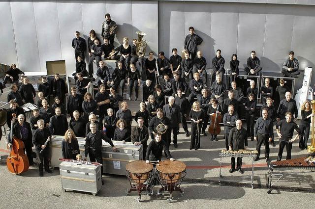 Das SWR-Sinfonieorchester Baden-Baden und Freiburg spielt Strawinsky, Rihm und Berg