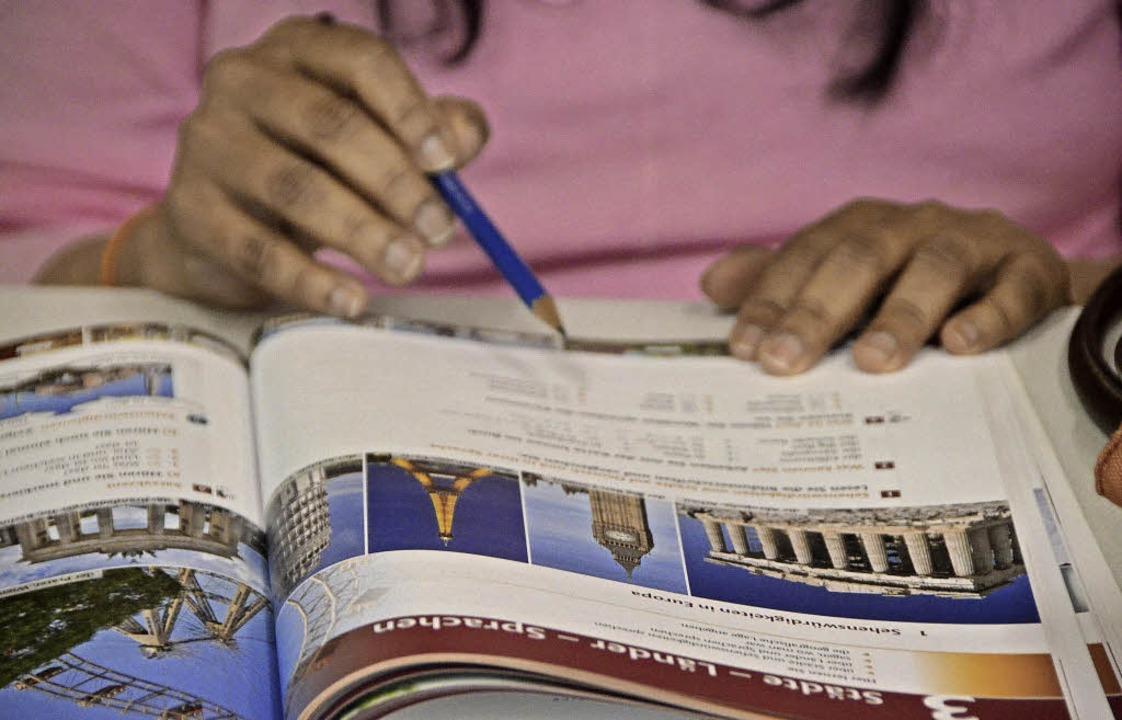 Deutschkenntnisse sind  für Flüchtling... in den  Schulen teilnehmen zu können.  | Foto: Kathrin Blum