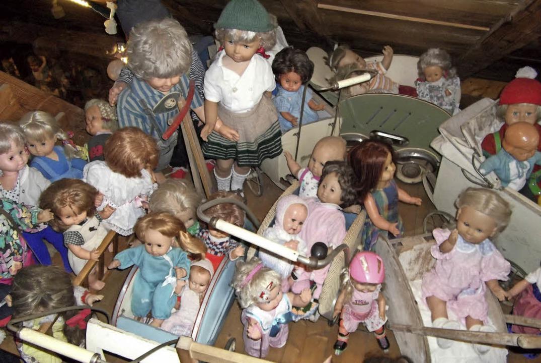 Diese tollen Puppen haben die Thomanns aus dem Müll gerettet.   | Foto: Marion Klötzer