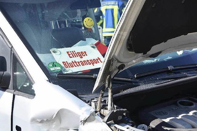 Dank moderner Fahrzeugtechnik nur zwei leicht Verletzte