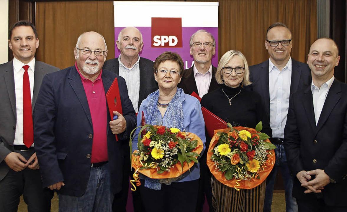SPD-Ehrungen (von links): MdB Johannes...opf, und Vorsitzender  Rinderspacher.   | Foto: hef