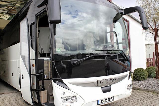 Start in die Reisezeit mit neuem Luxusbus