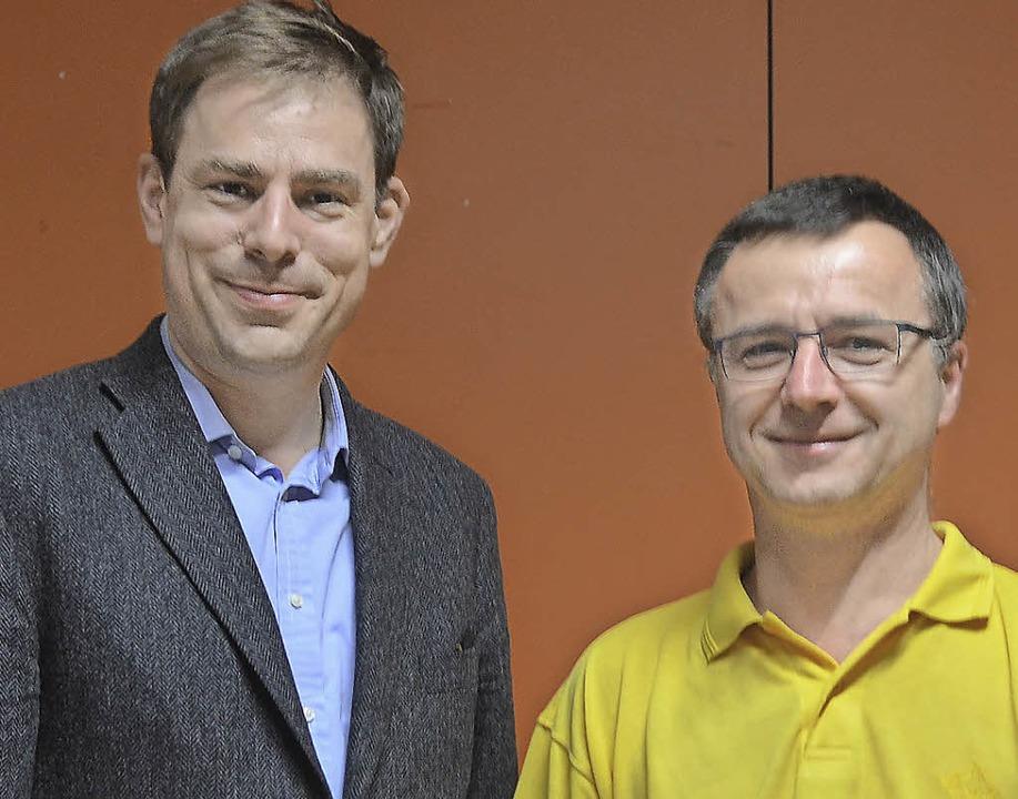 Hanno Müller-Brachmann (links) und Dir...as Konzert der Orchestergesellschaft.     Foto: Fillisch