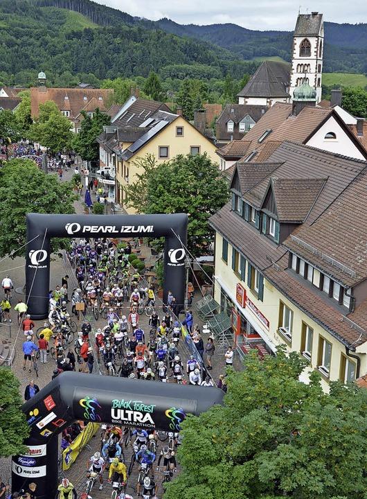 Der Start des Ultra-Bike-Marathons in ...e ist jedes Jahr besonders spannend.    | Foto: Gerhard Lück