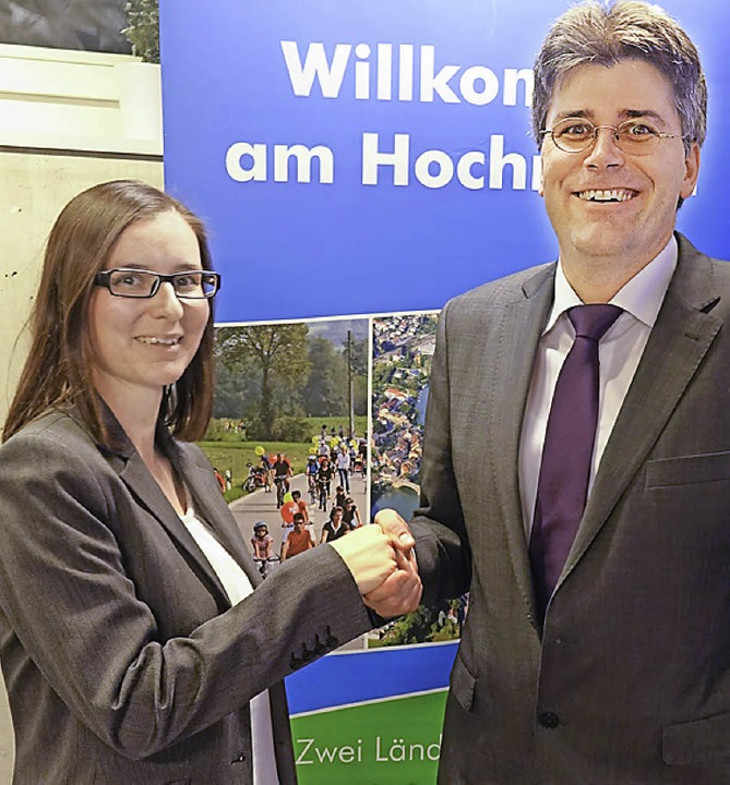 HRK-Präsident Martin Kistler heißt Heike Stoll willkommen.   | Foto: ZVG