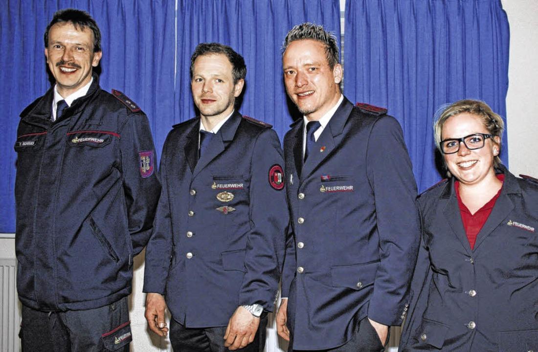 Neuer Ausschuss der Kreisjugendfeuerwe...nd Sandra Hilpert  (Kassenprüferin).    | Foto: Würth