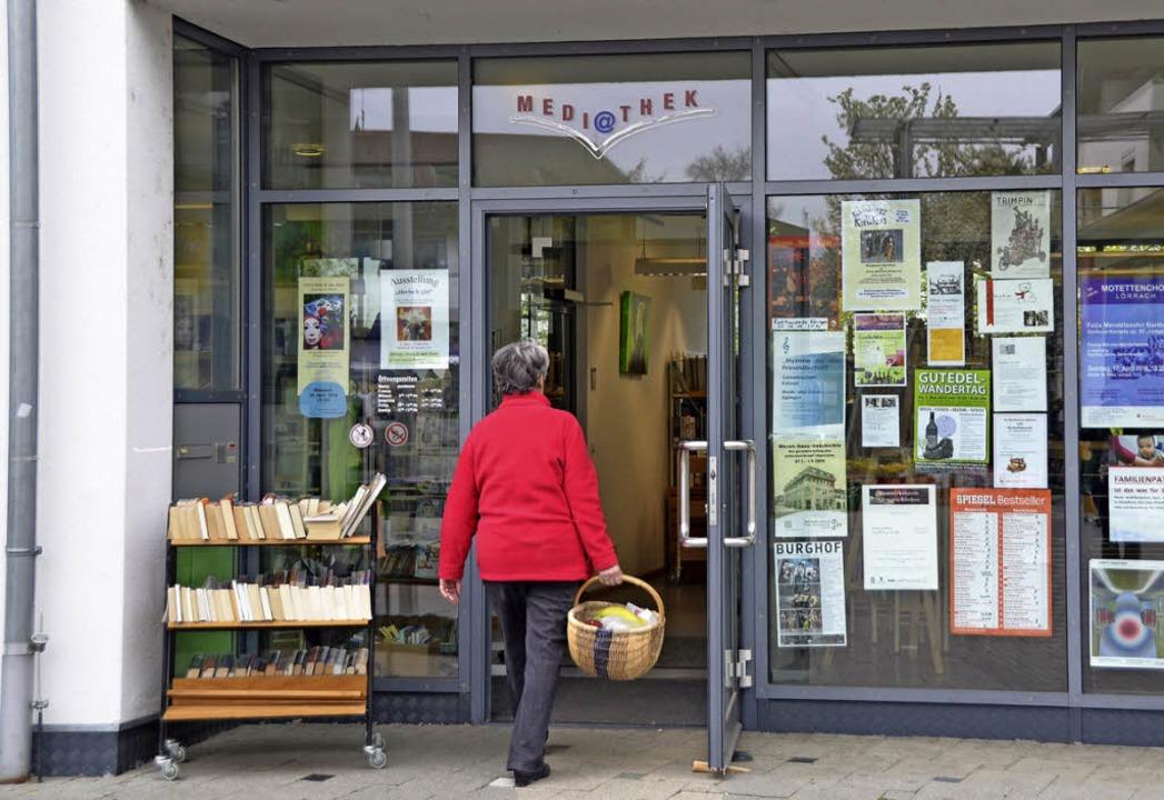 Vom  Markteinkauf gleich zur  Mediathe...Freitag geht das in Efringen-Kirchen.   | Foto: Langelott