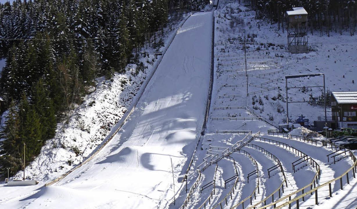 Ob  im November Schnee liegt an der Sc...tcup-Skispringen wird es nicht geben.   | Foto: peter Stellmach