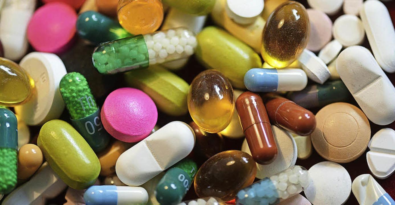 Wolf-Dieter Ludwig  plädiert dafür, de...en von Arzneien besser zu erforschen.   | Foto: dpa/lobota (axentis)