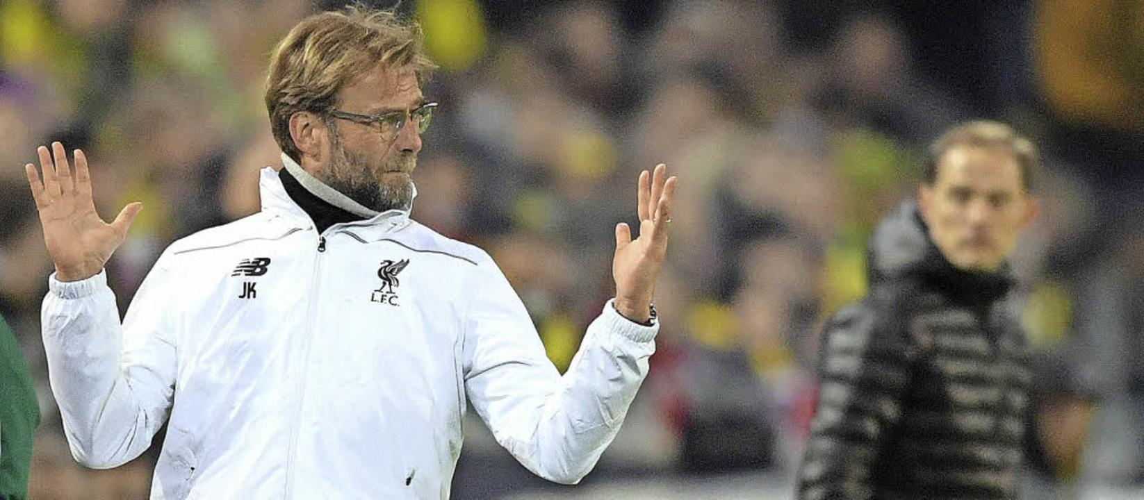 Die Chancen, dass Jürgen Klopp (links)...a League werfen, sind größer geworden.  | Foto: dpa