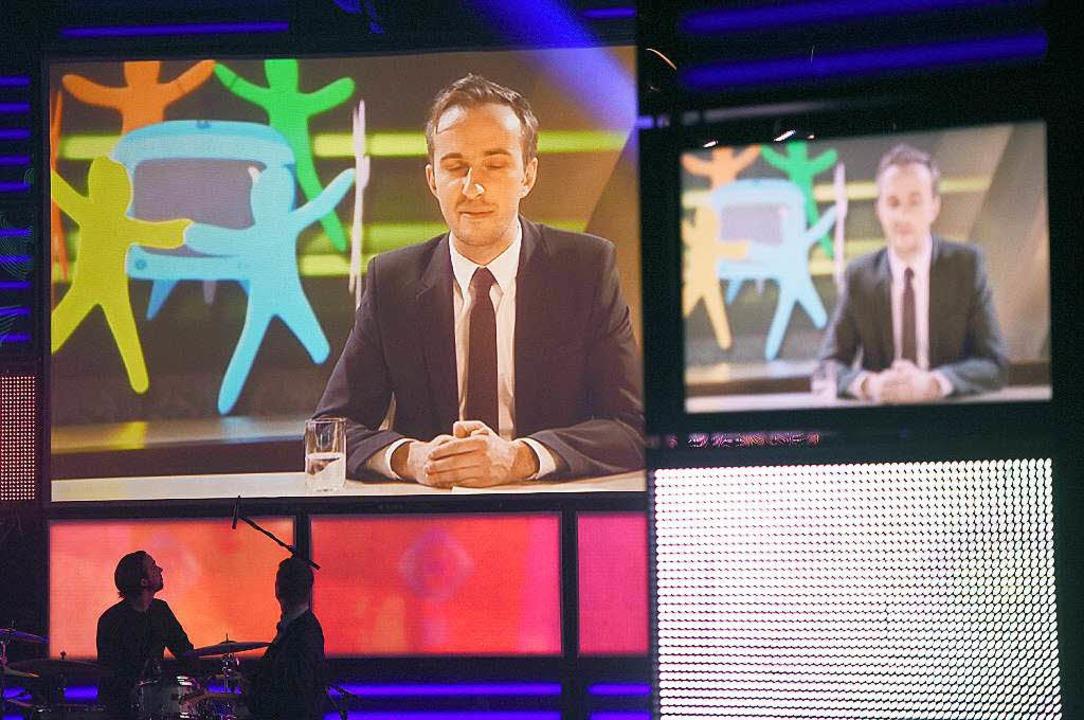 ZDF-Satiriker Jan Böhmermann war bei d...ihung nur auf dem Bildschirm zu sehen.    Foto: dpa
