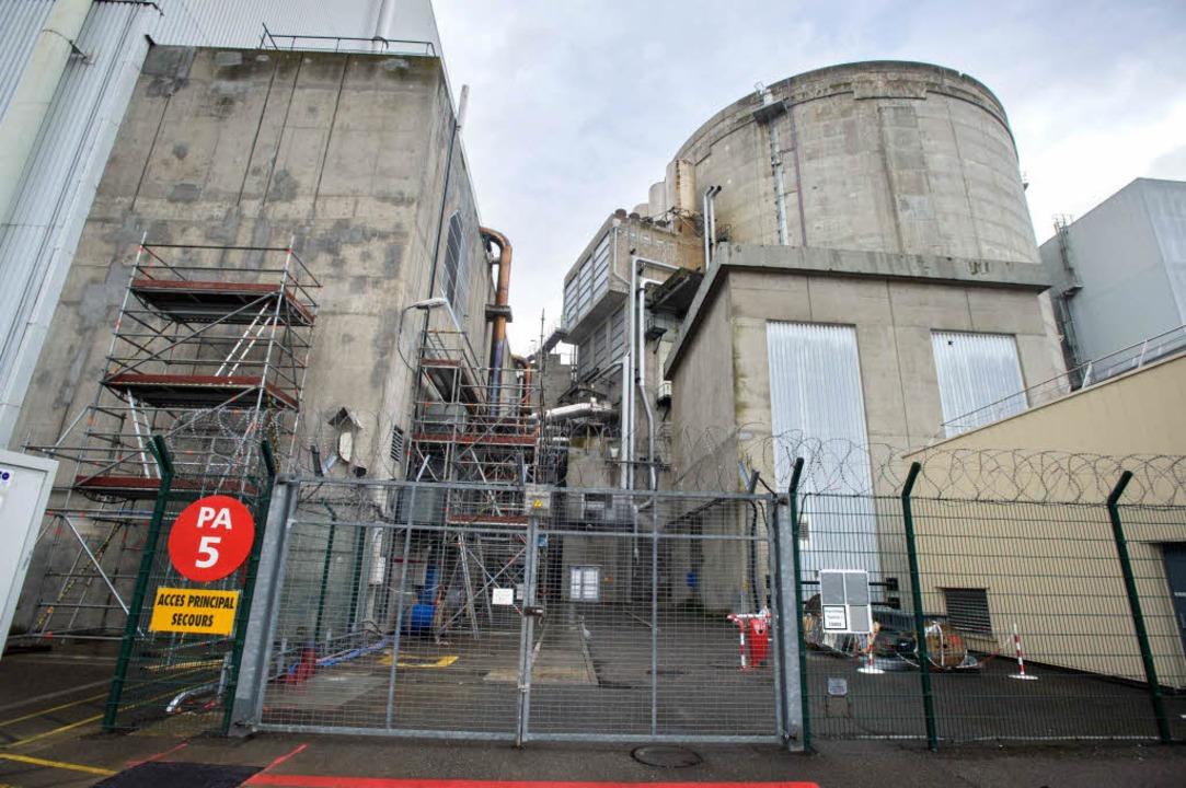 Das Atomkraftwerk Fessenheim wirft unangenehme Fragen auf.  | Foto: AFP