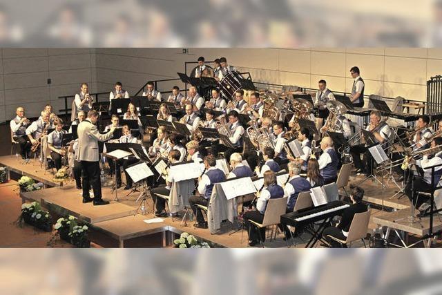 Stadtmusik Bonndorf gibt Debüt in neu renovierter Stadthalle