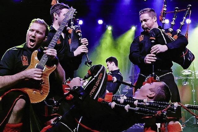 Red Hot Chilli Pipers mit Drummer Steven Graham in Bonndorf